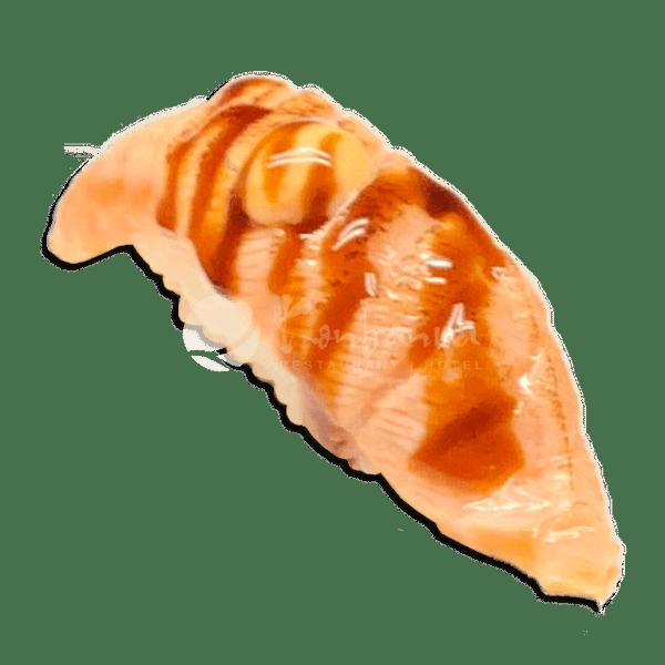 112 Nigiri geflambeerde zalm tobiko